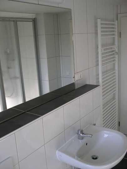 Modernisierte 3-Zimmer-Erdgeschosswohnung mit Terrasse und GARTEN ! in Speichersdorf