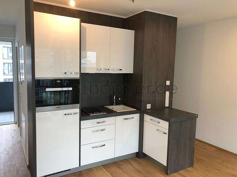 Modernes Apartment mit Loggia in Schwabing-Freimann
