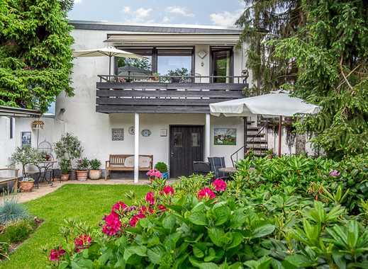 Zentral vermietetes Mehrfamilienhaus + Wohnhaus im Hof + Ausbaureserve + Garten + Bauland...
