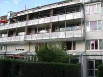 helle 3-Zimmer-Dachterrassenwohnung mit Einbauküche in