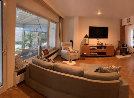 Großzügige, helle 3,5-Zimmer Wohnung mit Wintergarten und Gartennutzung in Laupheim