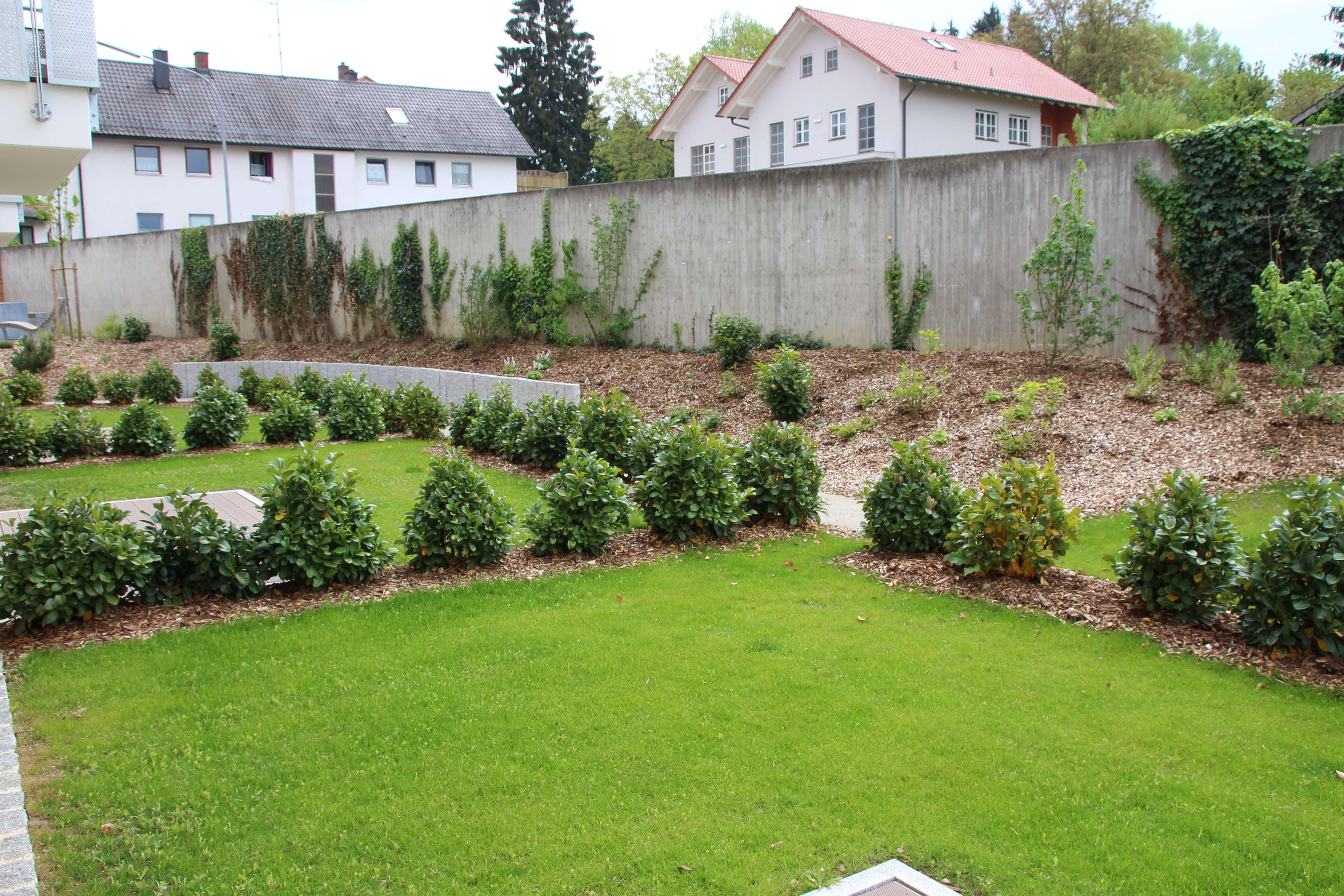 3-Zimmer-Wohnung mit Gartenanteil und Terrasse - seniorengerecht -
