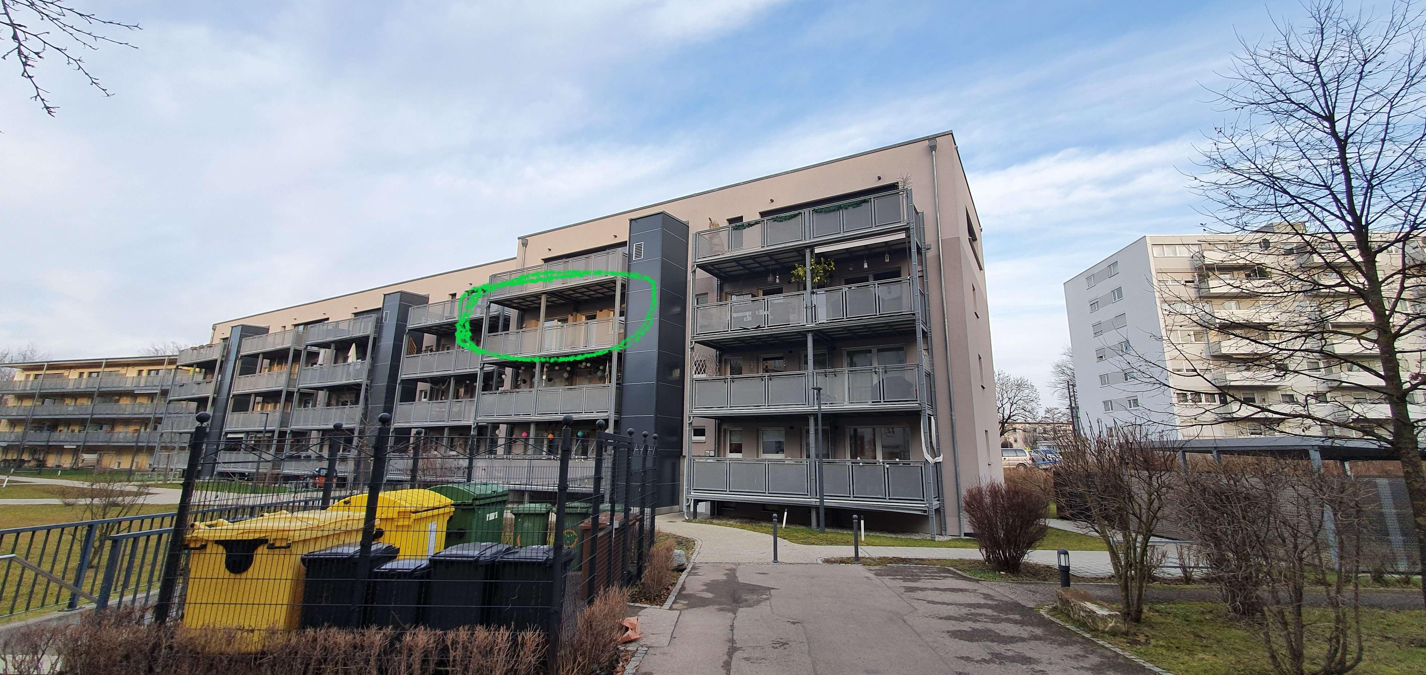Kernsanierte  3-Zimmer-Wohnung mit Balkon, Tiefgarage und EBK in Augsburg (Zweitbezug) in Augsburg-Innenstadt