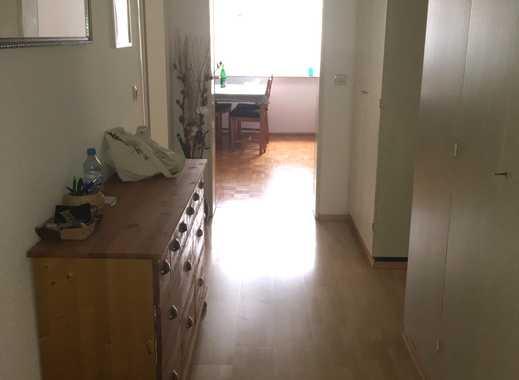 Schöne 3-Zimmer-EG-Wohnung mit Balkon und EBK in Korntal