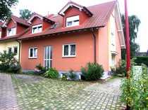 Moderne Dachgeschoss-Wohnung in ruhiger Lage