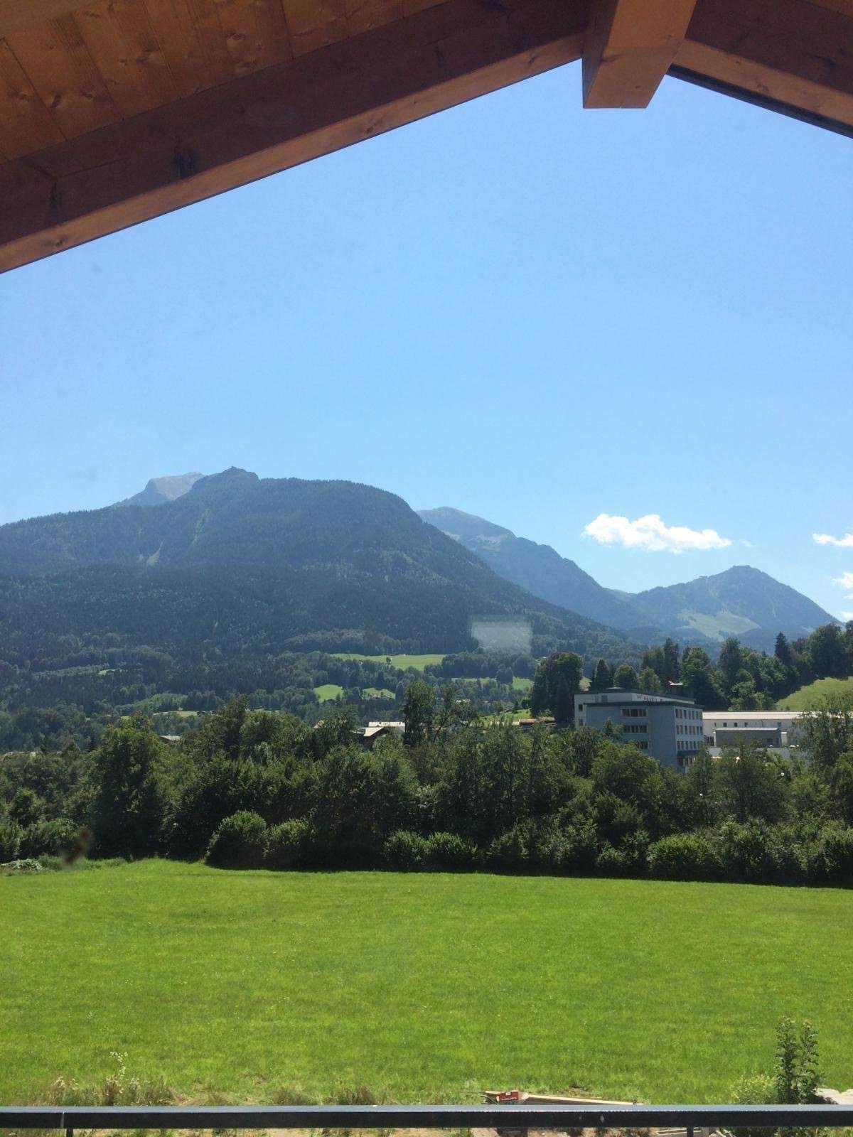 Erstbezug mit Einbauküche und Balkon: stilvolle 2-Zimmer-DG-Wohnung in Berchtesgaden in