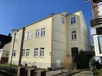 Wunderschöne und hochwertig renovierte 4-Zimmer-Altbau-Wohnung