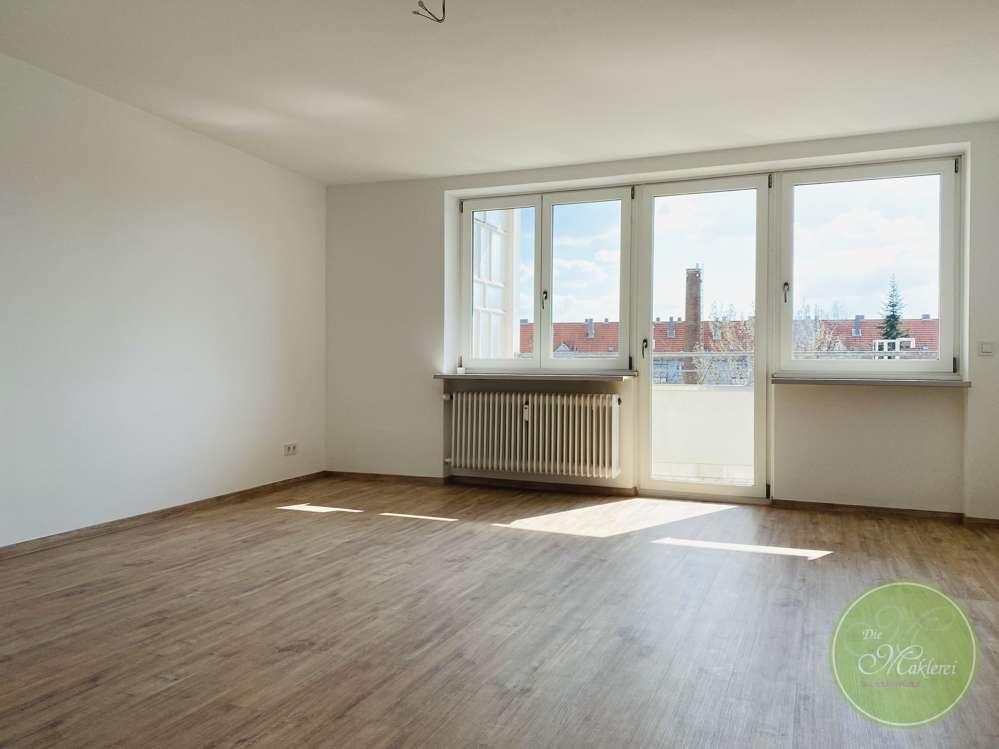 ** ERSTbezug nach Sanierung ** SÜD Balkon * 2 Zimmer ** Extra WC ** Aufzug & privater Stellplatz ** in