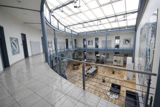 Büro/Verwaltung Gebäude 1