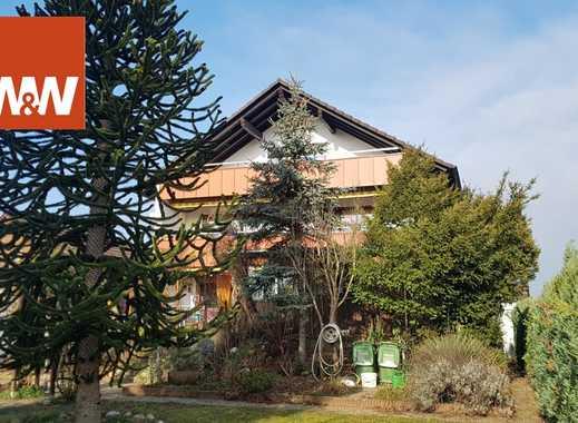 Mehrfamilienwohnhaus mit großem Grundstück in Südlage.