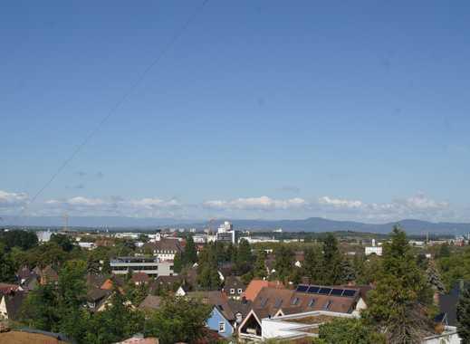 Über den Wolken? Nein, aber über den Dächern von Freiburg!