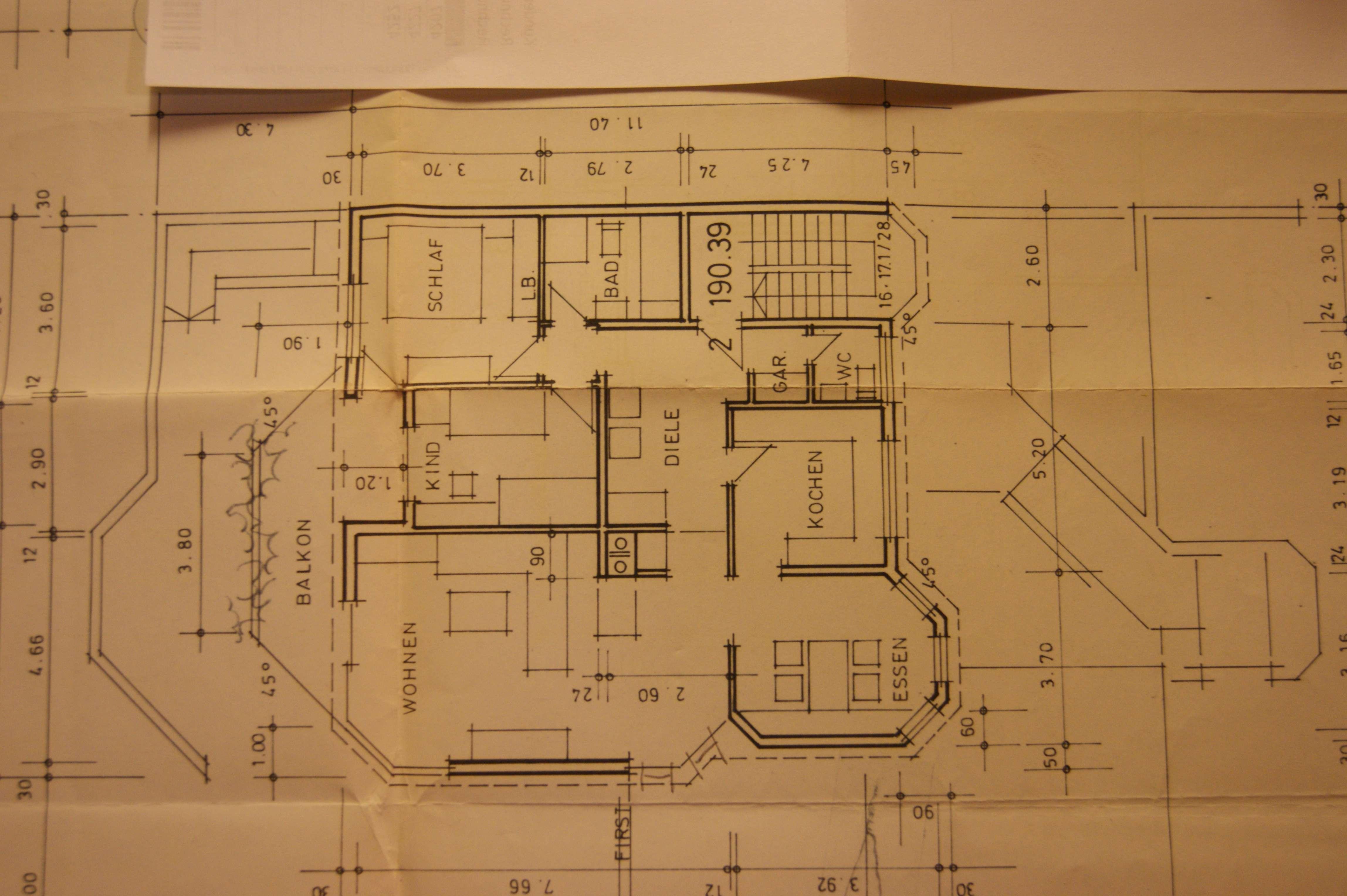 Gepflegte 4-Zimmer-Wohnung mit Balkon und Einbauküche in Würzburg in