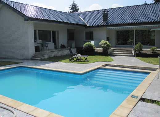 Großzügiges, modernes, freist. Einfam.- Haus + Apartm., ca. 256 m² Wfl. + 195 m² Büro-Gewerbetrakt.