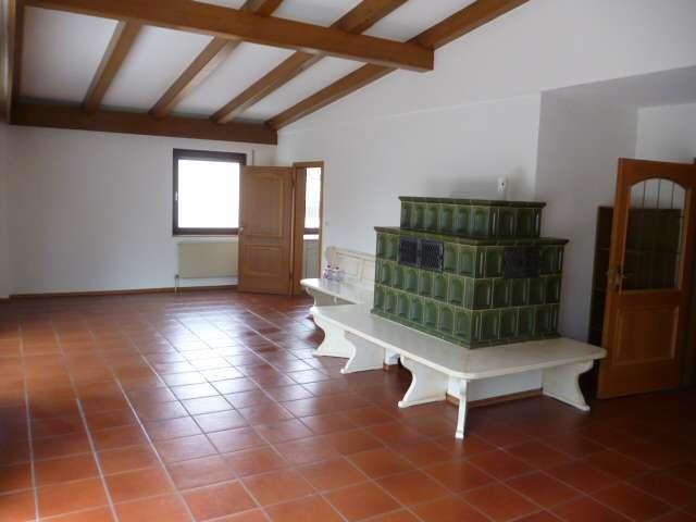 Schöne, geräumige sechs Zimmer Wohnung in Abensberg nähe EKZ in Abensberg