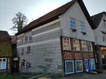Wohn-und Geschäftshaus mit kleinem Fachwerkhaus