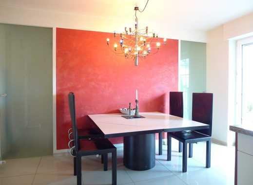 Schöne, geräumige fünf Zimmer Wohnung in Duisburg-Homberg