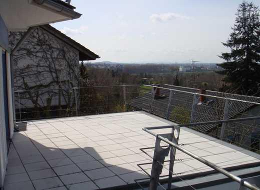 MODERN LIVING - 2 Zi. Wohnung sonnige Terrassse 1. OG  , toller  Blick, in 3 Fam. Haus, Einbauküche