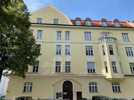 Echtes Schwabinger Leben genießen - im neu ausgebauten DG eines herrlichen Jugendstilgebäudes   in Maxvorstadt (München)