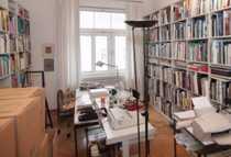 Schöne 3 5-Zimmer-Altbau-Wohnung mit Balkon