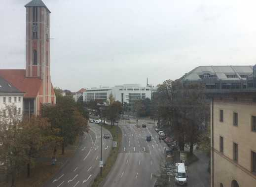 Schöne, geräumige vier-einhalb Zimmer Wohnung in München, Maxvorstadt