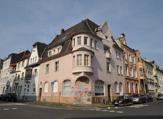 Mönchengladbach: Markantes Wohnhaus im historischen Stadtkern!