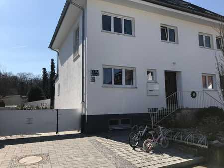Sonnige, sanierte 4-Zimmer-EG-Wohnung mit EBK in Hadern, München in Hadern (München)