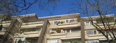 Sonnige 3,5-Raum-Penthouse-Wohnung mit Balkon und Einbauküche in Minden