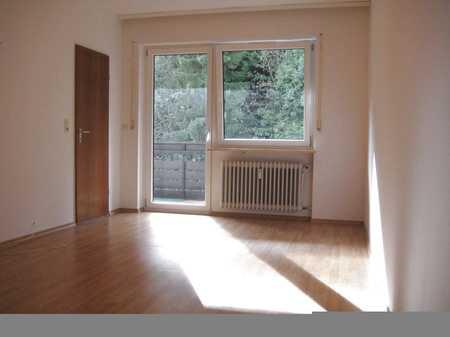 2-Zimmer-Wohnung, die gleichzeitig fußweit zur Marktstraße liegt in Wackersberg