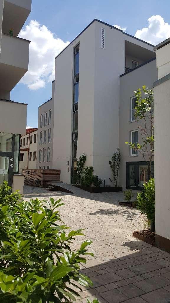 Charmante 3-Zimmer-Wohnung im Herzen der Stadt mit Loggia