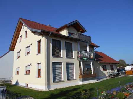 NEUMANN- Schöne & neuwertige 3ZKB im Dachgeschoss eines Dreifamilienhauses in Bergheim (Neuburg-Schrobenhausen)