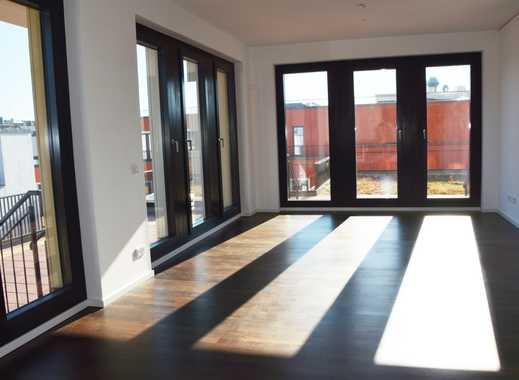 2-Zimmerwohnung mit großzügiger Dachterrasse und Blick über Berlin - Gym-Mitgliedschaft frei