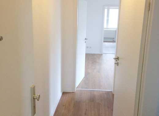 Schöne 2 Zimmer Wohnung, 1. Etage, Tageslichtbad, komplett Sanierung in 2017 u.v. mehr +++