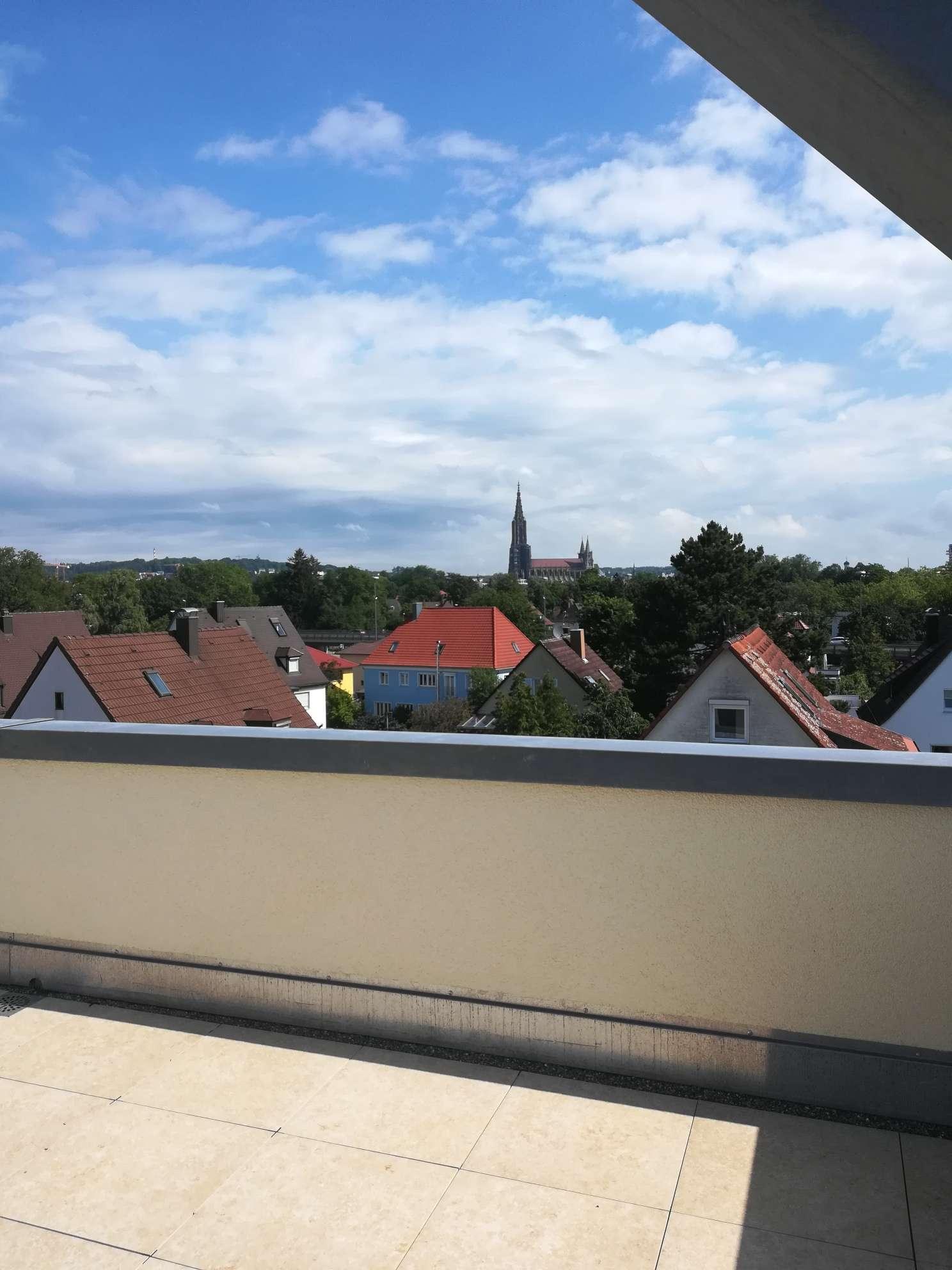 Exkulsive 5-Zi-Wohnung mit Dachterrasse