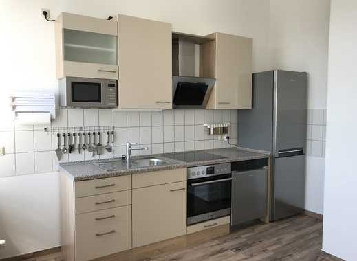 Lichtdurchflutete 2,5 Raum Wohnung mit großer Wohnküche, Bad mit Fenster, Einbauküche
