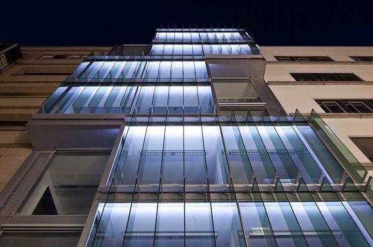 Fassade bei Nacht