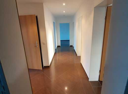 helle moderne 4,5-Zimmer-Wohnung mit Balkon in Schwelm