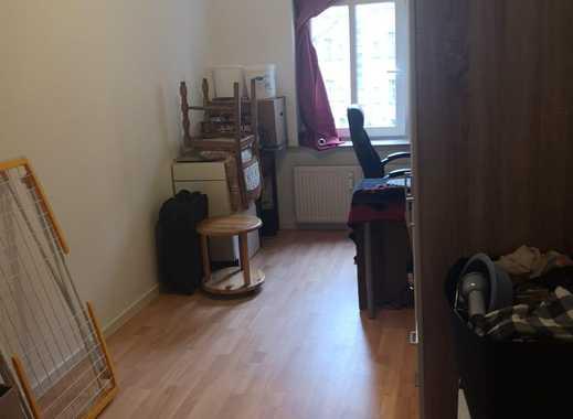 ab 01.04 All Inclusive 1 Zimmer & die Hälfte des Wohn-/Gemeinschaftsraum