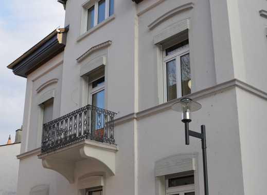 Urbanes Wohnen in einem stilvollen, kernsanierten 2-Familienhaus