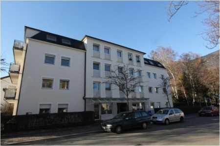 Sehr schöne 3-Zimmer Wohnung mit Lift in zentraler Stadtlage ohne Balkon! in Bad Reichenhall