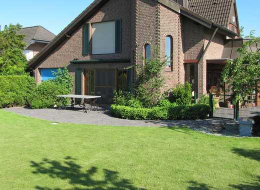 Schönes freistehendes Landhaus mit großem Garten und herrlichem Fernblick in Meerbusch-Nierst!