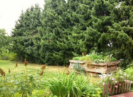 Schöne geräumige 3 Zimmer Wohnung mit großem Garten