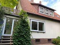 Großzügiges Zweifamilienhaus in Garbolzum