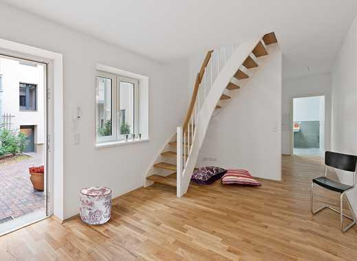 Schöne drei Zimmer im Gartenhaus