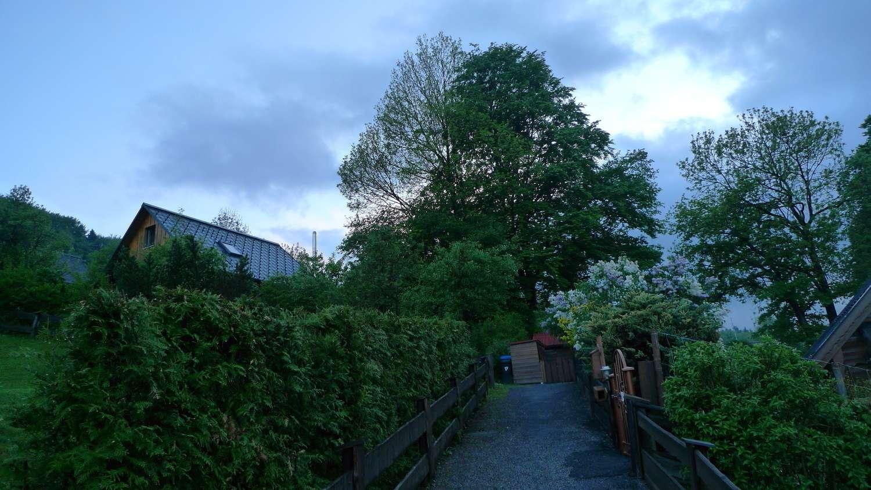 ruhig und grün: schönstes Bayern: möblierte 1 Zi.Whg. m. Gartenmitbenutzung in Hausham
