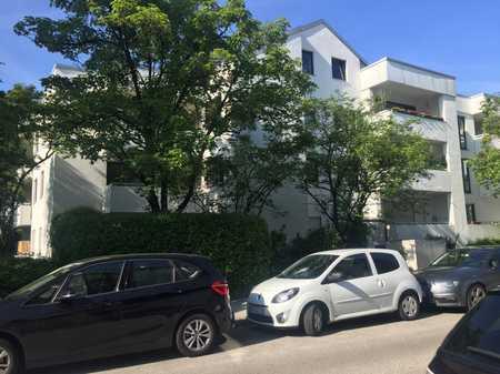 Moosach - helle, ruhige 3-Zi.-Wohnung m. Balkon u. Garage zu vermieten! in Moosach