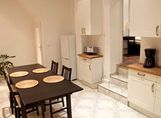 Vollständig renovierte 2-Zimmer-Erdgeschosswohnung mit Einbauküche in Spandau, Berlin