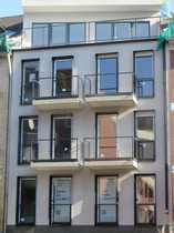 Bild Moderne 2-Zimmerwohnung mit Balkon und Einbauküche