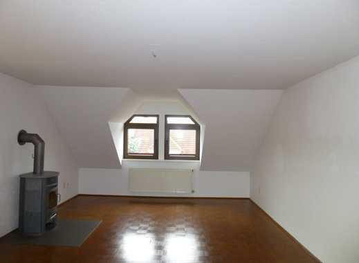 Schöne, geräumige drei Zimmer Wohnung in zentraler Lage in Bückeburg mit Kamin