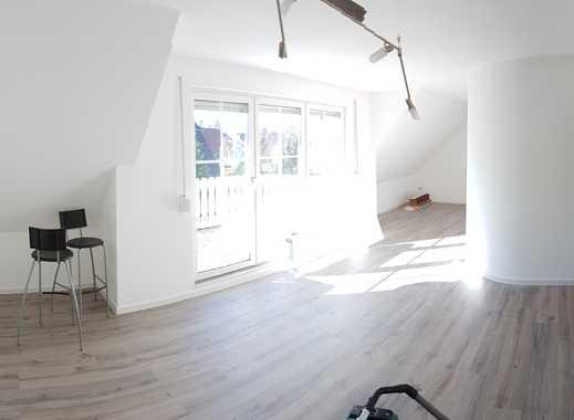 Erstbezug nach Renovierung: ansprechende 3-Zimmer-Maisonette-Wohnung mit EBK und Balkon in Achim