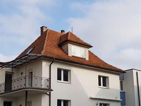 5 Zimmer Wohnung Mit Balkon In 2 Familienhaus In Michelau